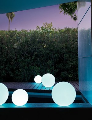 Garden lamp design ideas that make your home garden looked beauty 16