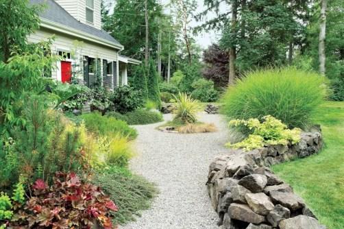 Garden exterior design ideas using grass that make your home more fresh 02