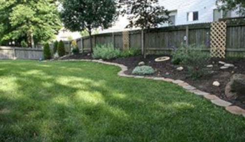 Garden exterior design ideas using grass that make your home more fresh 03