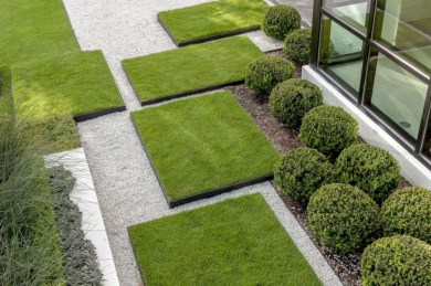 Garden exterior design ideas using grass that make your home more fresh 27
