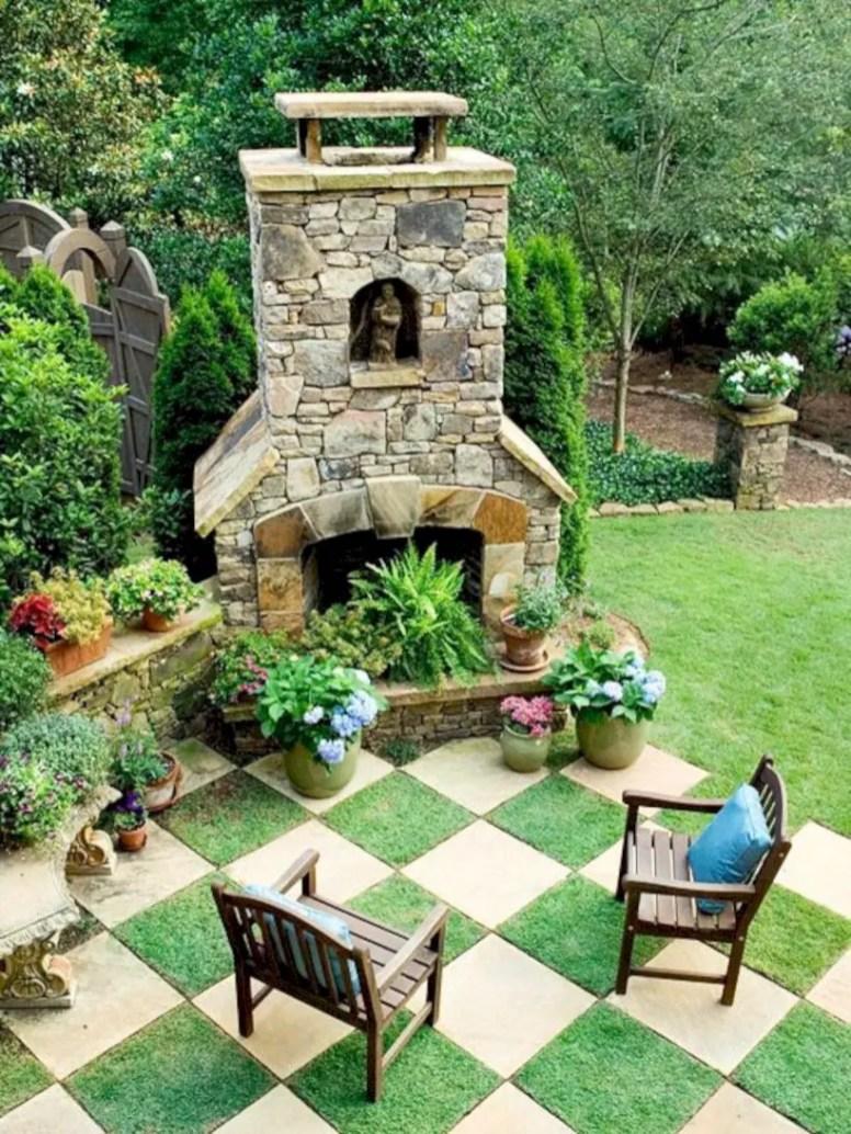 Garden exterior design ideas using grass that make your home more fresh 39