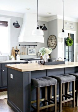 Rustic kitchen cabinet design ideas are very popular this year 26