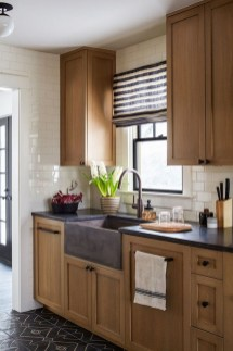 Rustic kitchen cabinet design ideas are very popular this year 42