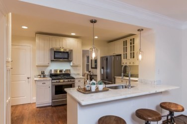 Simple kitchen design ideas that you can try in your home 41