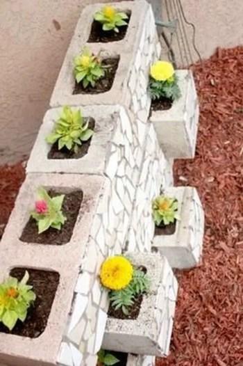 The best cinder block garden design ideas in your frontyard 13