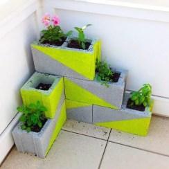 The best cinder block garden design ideas in your frontyard 17