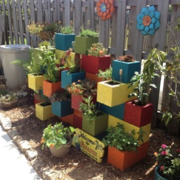 The best cinder block garden design ideas in your frontyard 28