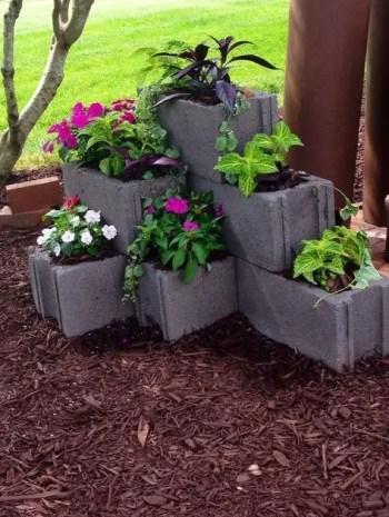 The best cinder block garden design ideas in your frontyard 38