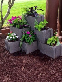 The best cinder block garden design ideas in your frontyard 38