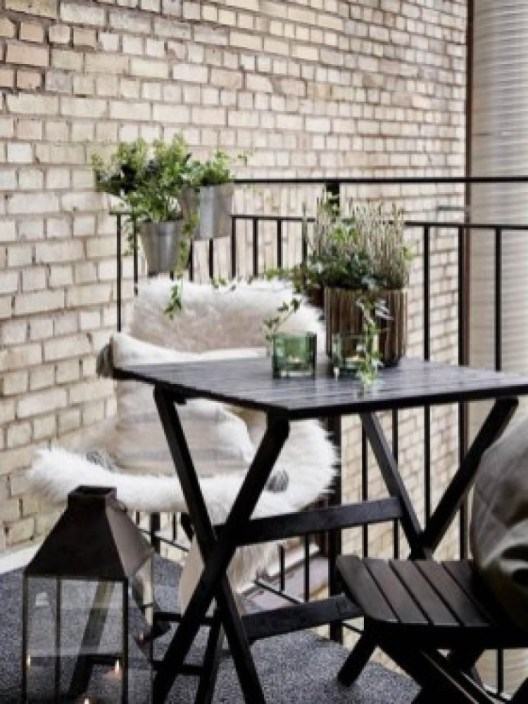 Beauty view design ideas for balcony apartment that make you cozy 46