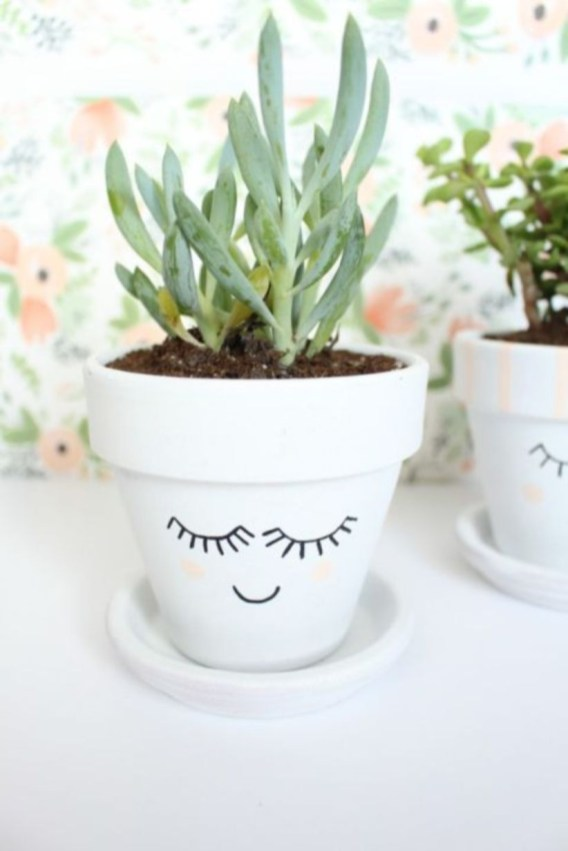 Flower pot decoration ideas that you can try in your home 31