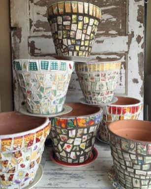 Flower pot decoration ideas that you can try in your home 40