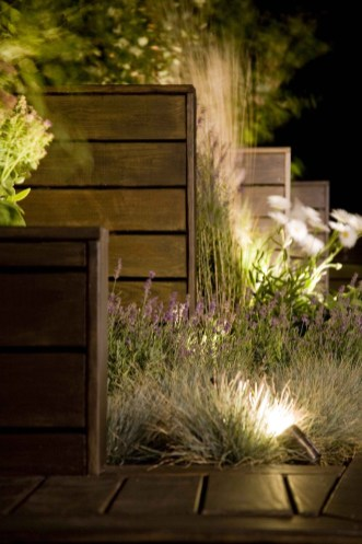 Front yard exterior design with beautiful garden lights 07