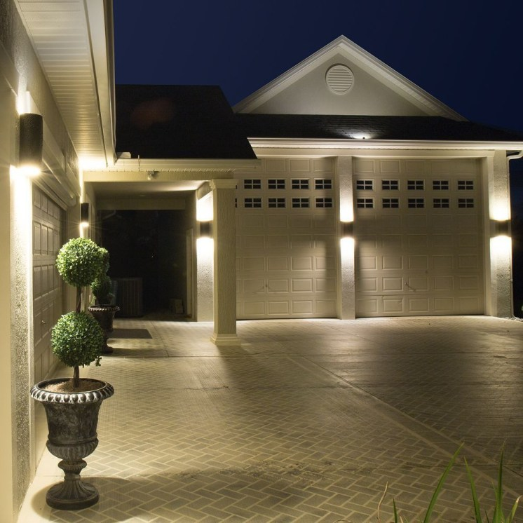 Front yard exterior design with beautiful garden lights 29