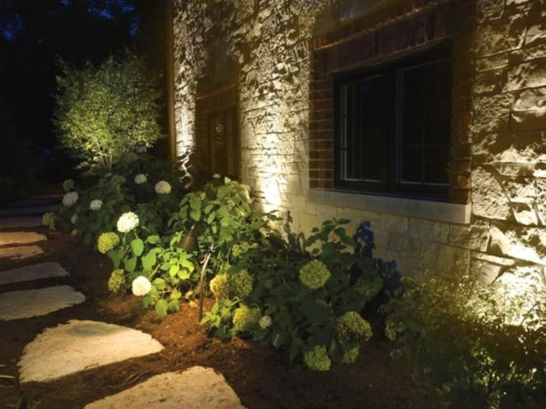 Front yard exterior design with beautiful garden lights 42