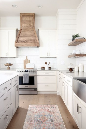 Modern kitchen design ideas you can try in your dream home 04
