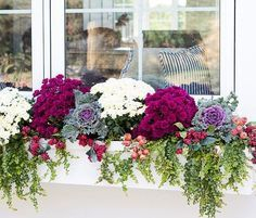 Exterior decoration ideas with flower in window 38