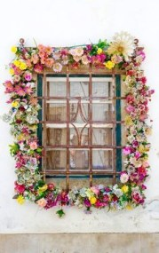 Exterior decoration ideas with flower in window 40