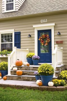 Exterior decoration ideas with flower in window 44