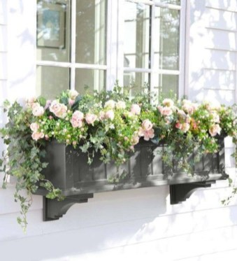 Exterior decoration ideas with flower in window 45