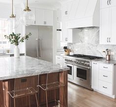 Wood kitchenset design ideas that you can try 08