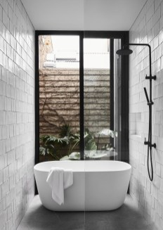Minimalist bathroom design ideas 37
