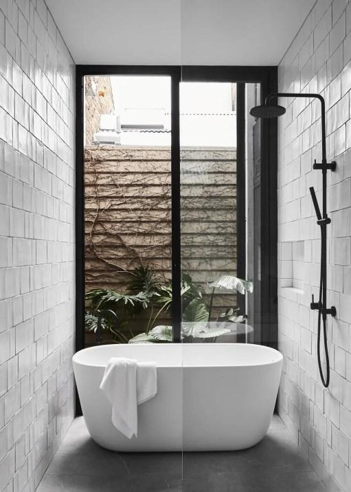 Minimalist bathroom design ideas 37
