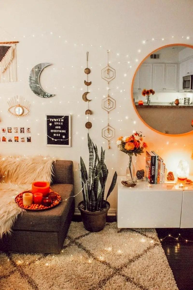 Inspiring living room wall design ideas 40