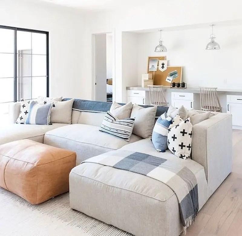 Inspiring living room wall design ideas 41