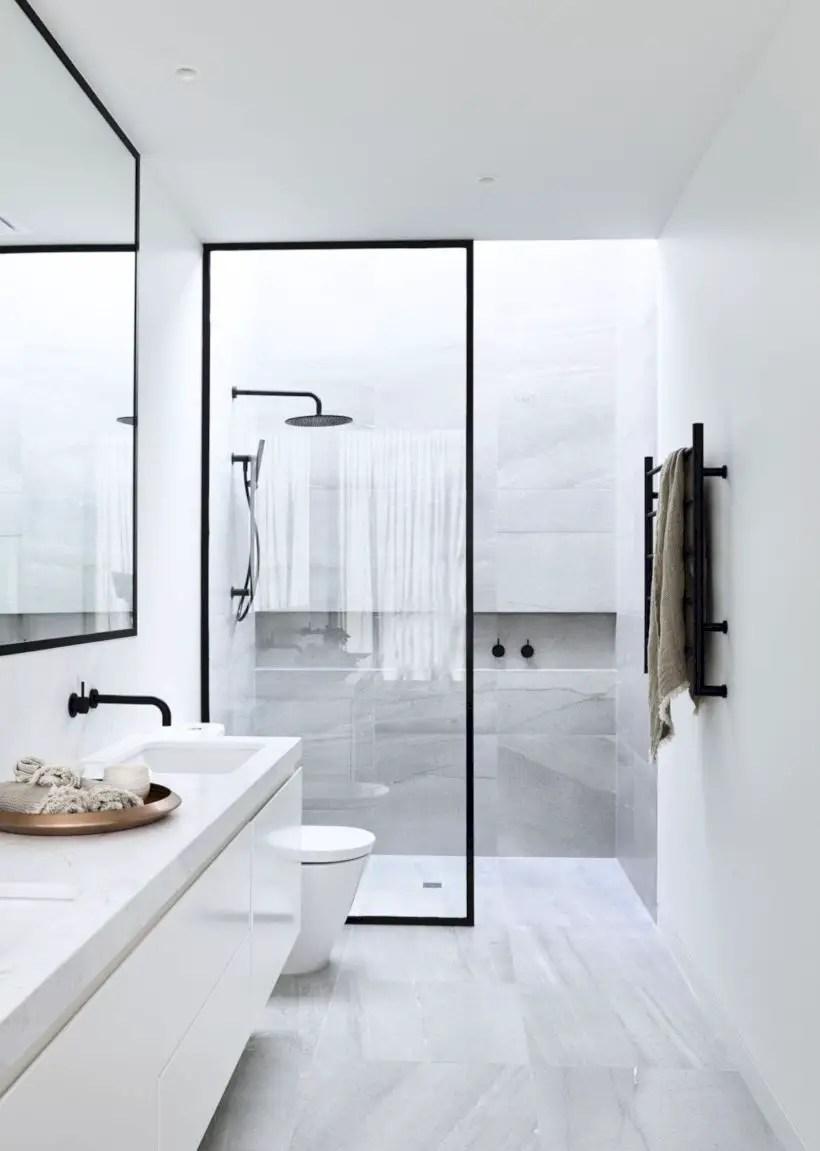 Inspiring small bathroom design ideas in apartment 16