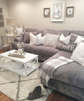 Livingroom design ideas to make look confortable for guest 25