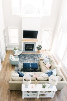 Livingroom design ideas to make look confortable for guest 32