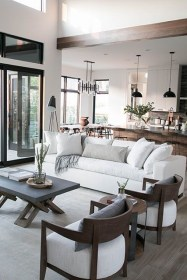 Livingroom design ideas to make look confortable for guest 40