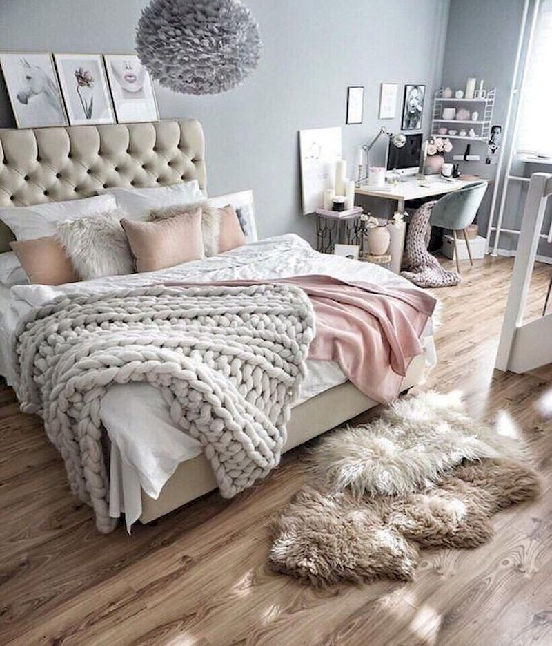 Luxury bedroom design ideas with goose feather 34