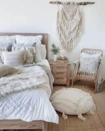 Romantic bedroom decorating ideas in your apartment 04
