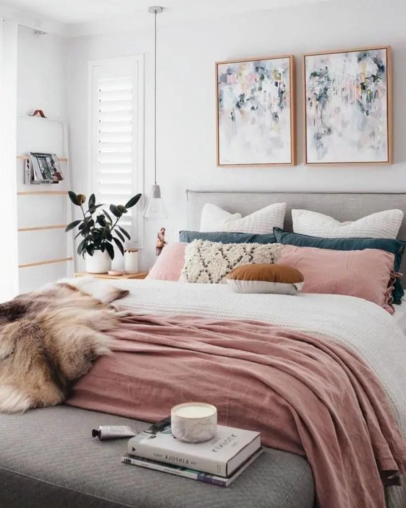 Romantic bedroom decorating ideas in your apartment 08
