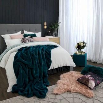 Romantic bedroom decorating ideas in your apartment 21