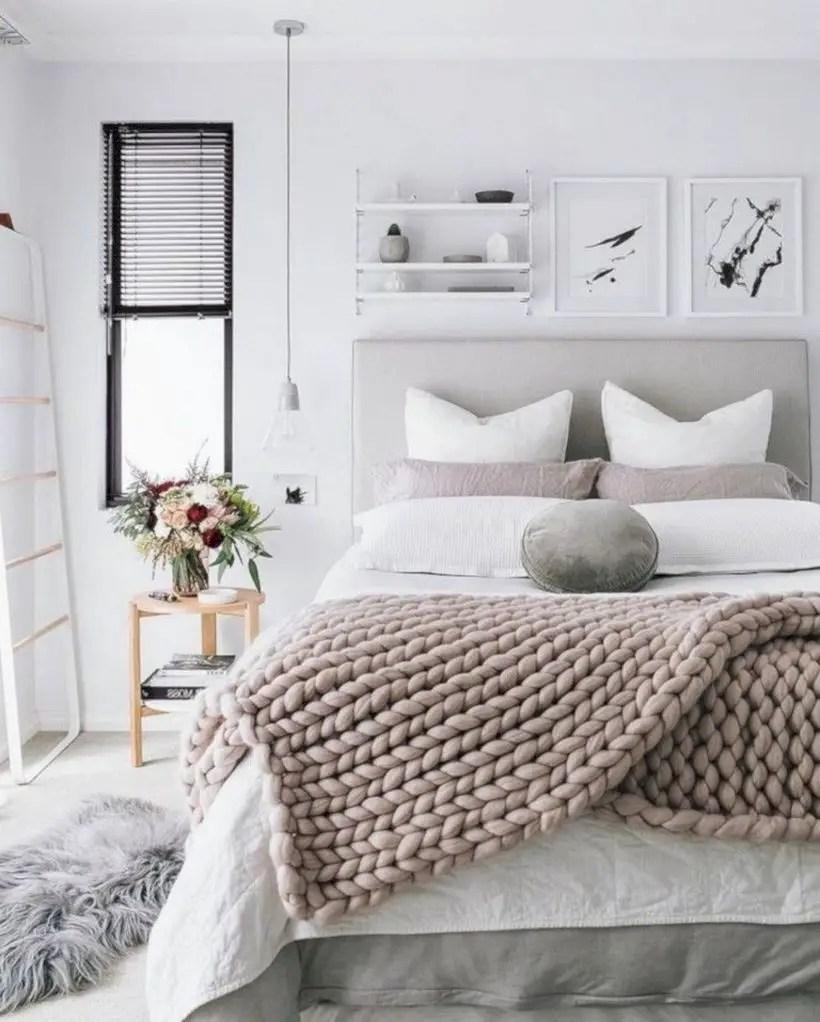 Romantic bedroom decorating ideas in your apartment 26