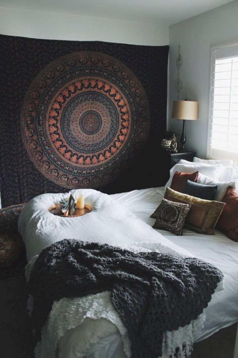 Romantic bedroom decorating ideas in your apartment 36