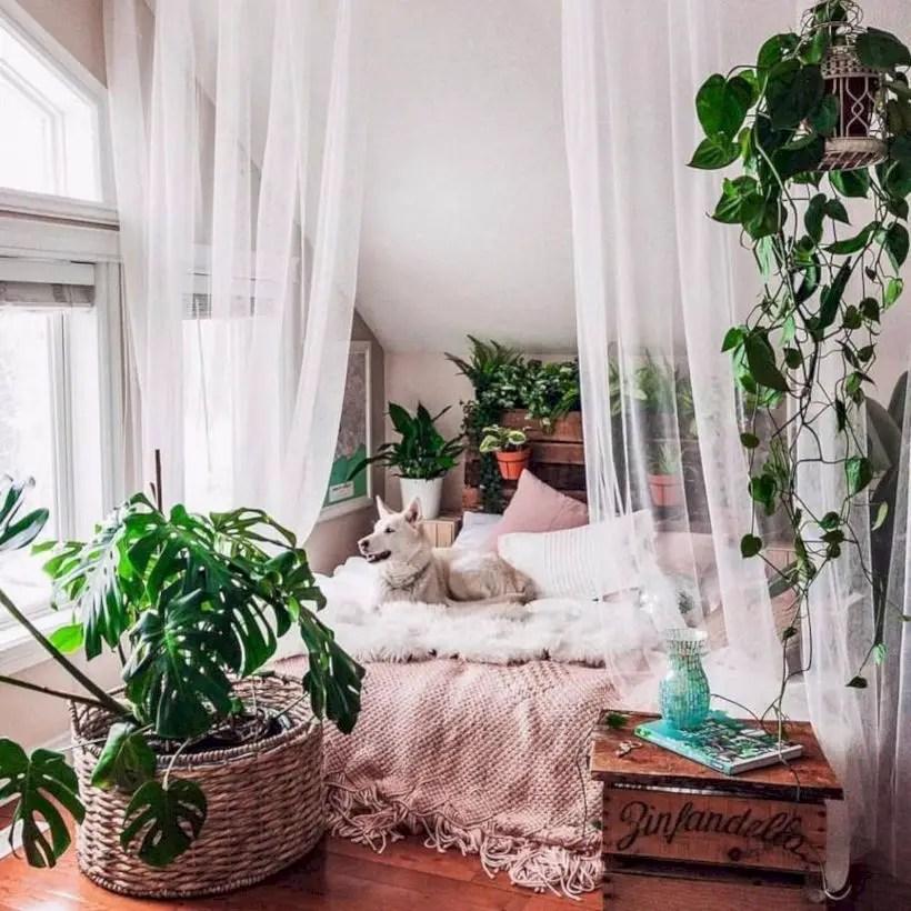Romantic bedroom decorating ideas in your apartment 42