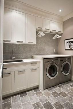 Inspiring small laundry room design ideas in spring 2019 44
