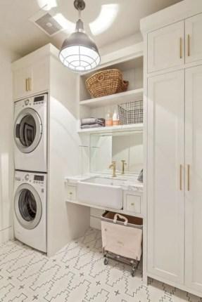 Inspiring small laundry room design ideas in spring 2019 51