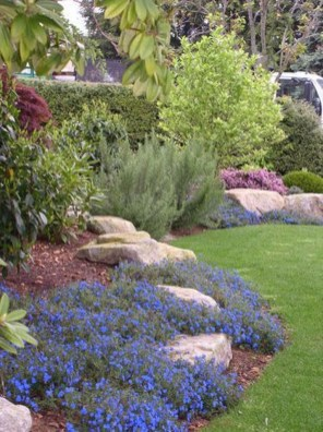 Best front yard design ideas for summer in your home 40