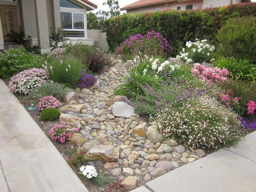 Best front yard design ideas for summer in your home 45
