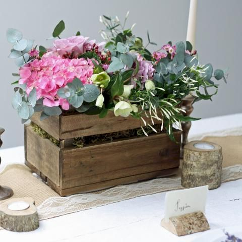 Inspiring wooden box ideas for flower that you can try 01