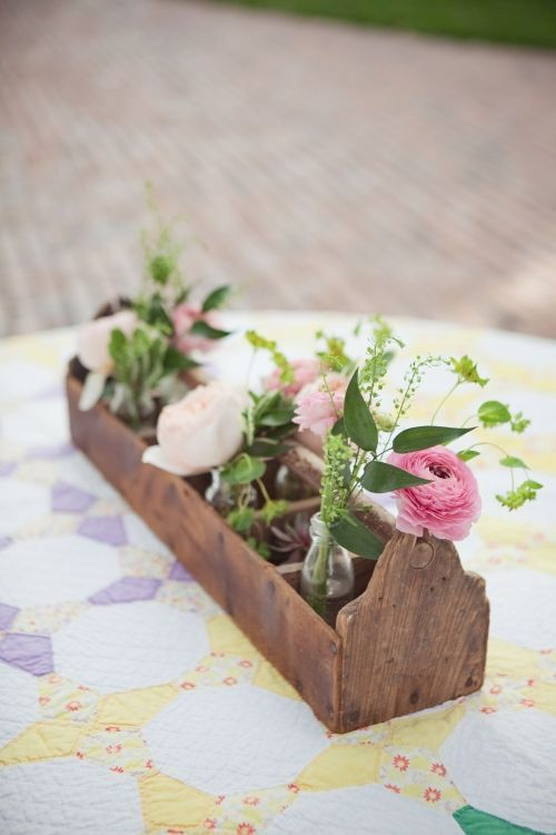 Inspiring wooden box ideas for flower that you can try 12