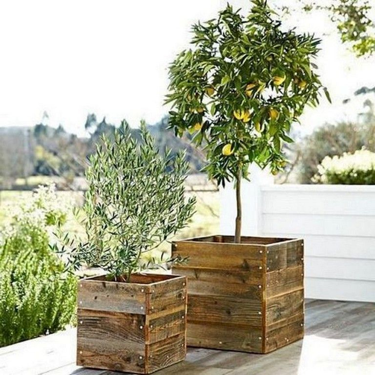 Inspiring wooden box ideas for flower that you can try 33
