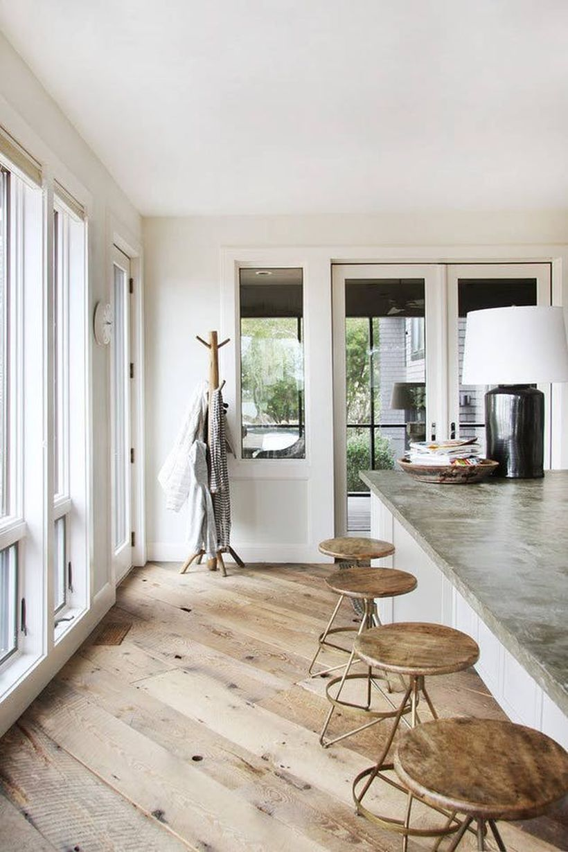 A creative farmhouse flooring ideas with extra-wide plank wooden to inspire the room for summer