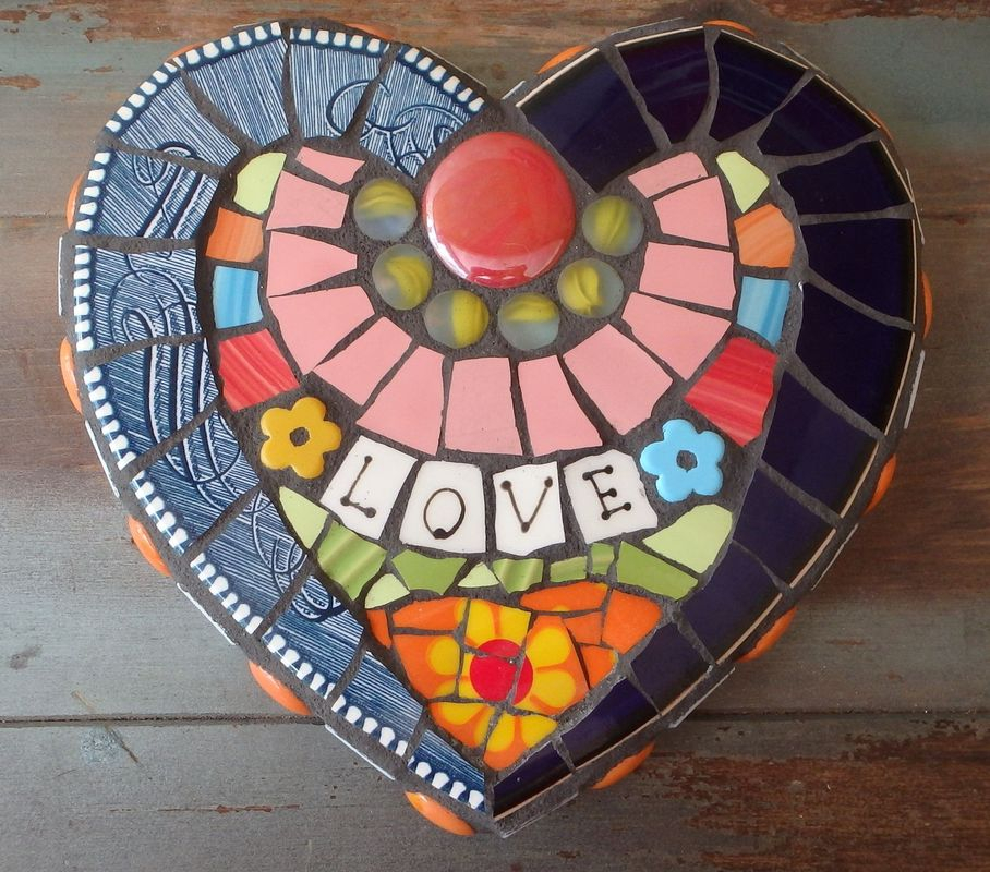 Adorable diy mosaic craft ideas to beautify your home decoration 21