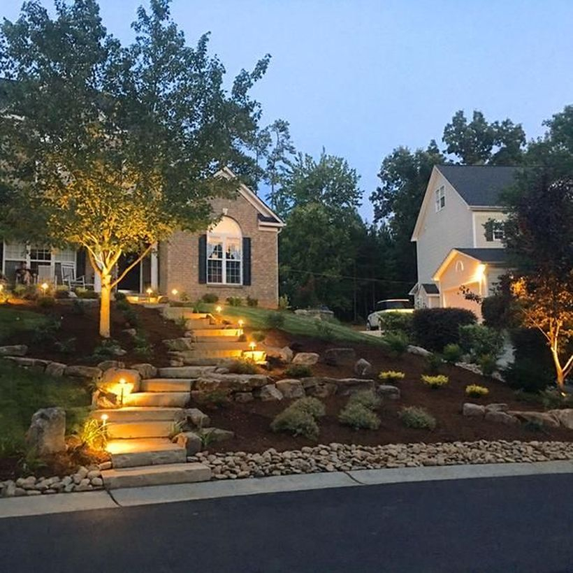 Adorable front yard lighting ideas for your summer night vibe 31